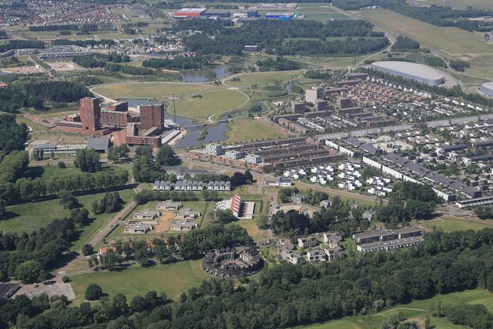 Archieffoto van de wijk Meerhoven in Eindhoven; veel woningen hier zijn aangesloten op de stadsverwarming van Ennatuurlijk. Velen maken bezwaar tegen de dubbele aansluitkosten.