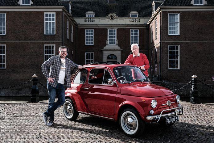 Vader René en zoon Lex en de Australische Fiat 500