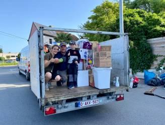 """Gentenaars Dimitri en Anouska voor tweede keer met volle bestelwagen naar Verviers: """"Alle hulpgoederen worden daar opgeslagen in loods van kennis"""""""
