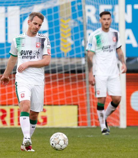 Bezem gaat door de FC Twente-selectie: 'We gaan ten onder als de Titanic'