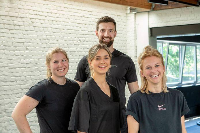 Martika Vervaet, Eva Goossens, Stijn Aps en Jessie Lombaerts zijn de personal coaches van EnCORE Coaching die je begeleiden om je sportieve doelen te bereiken.