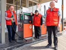 Na 70 jaar sluit tankstation in Kaatsheuvel: broers Peter, Henk en Johan stoppen met pijn in het hart