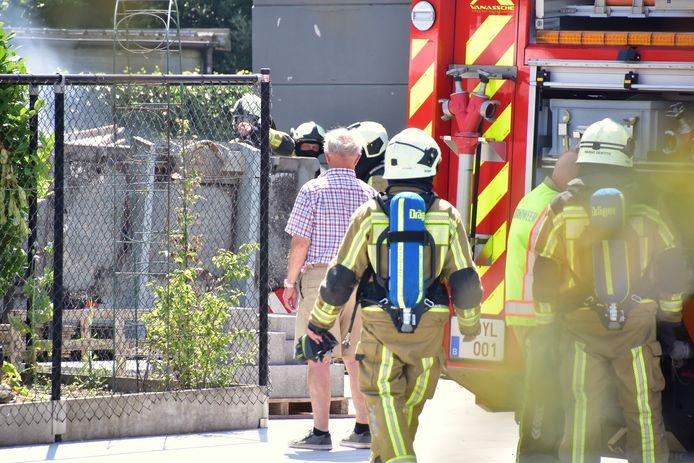 De brand situeerde zich in een open container die opgesteld stond voor het bedrijf Greenstyle Architecture, langs de Bissegemstraat in Gullegem.