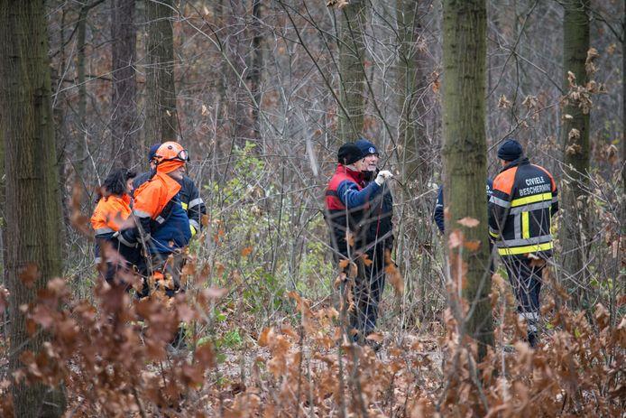 Speurders houden een zoekactie naar het lichaam van Ronald Vandereycken.