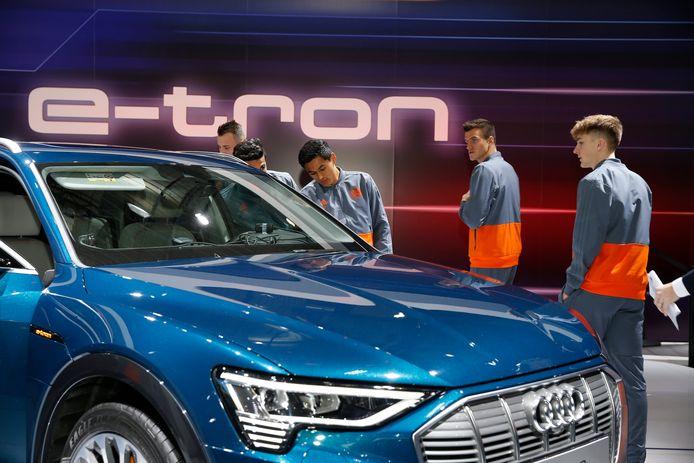 Audi Brussels zou volgens De Tijd de productieprognoses voor dit jaar verlagen door een batterijentekort.