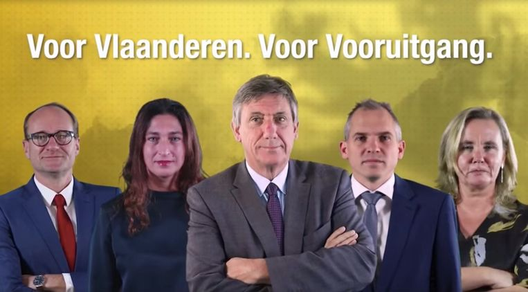 Still uit de N-VA-video met de Vlaamse ministers (vlnr.) Weyts, Demir, Jambon en Diependaele, en Vlaams parlementsvoorzitter Liesbeth Homans. Beeld N-VA