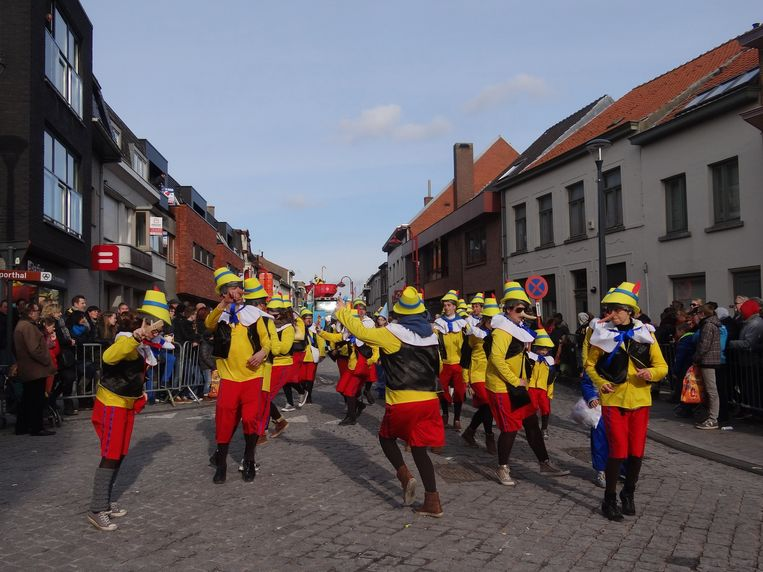 De carnavalsstoet in Assenede.