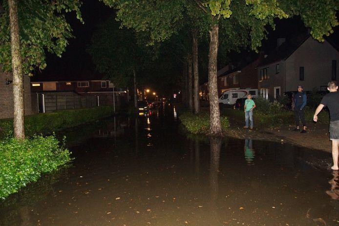 Wateroverlast in Drunen en Vlijmen