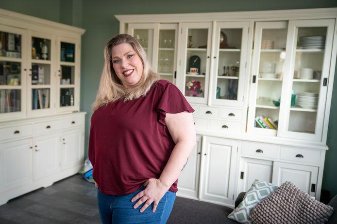 Johanneke de Ridder, 37 jaar, wil heel graag coronavaccin AZ omdat ze zit te wachten op een maagverkleiningsoperatie.