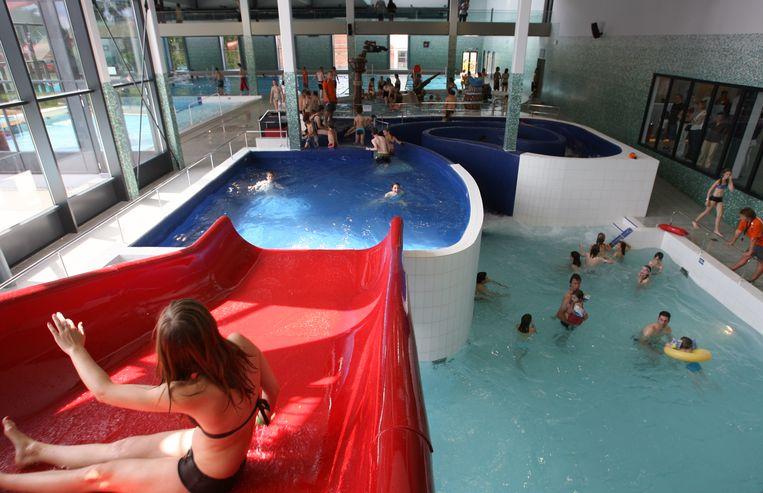 Ook binnen kan men genieten van waterpret in het stedelijk zwembad van Geel