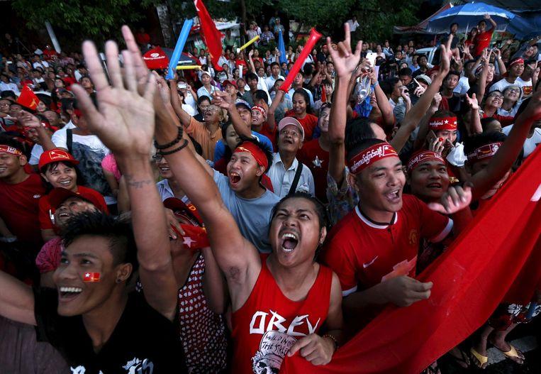 Feestvreugde in Yangon, de grootste stad van Birma. Beeld reuters