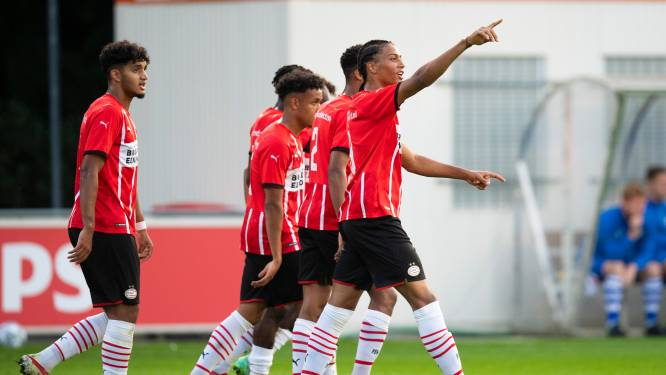 Jong PSV dankzij goals van Fodé Fofana met de hakken over de sloot langs FC Eindhoven