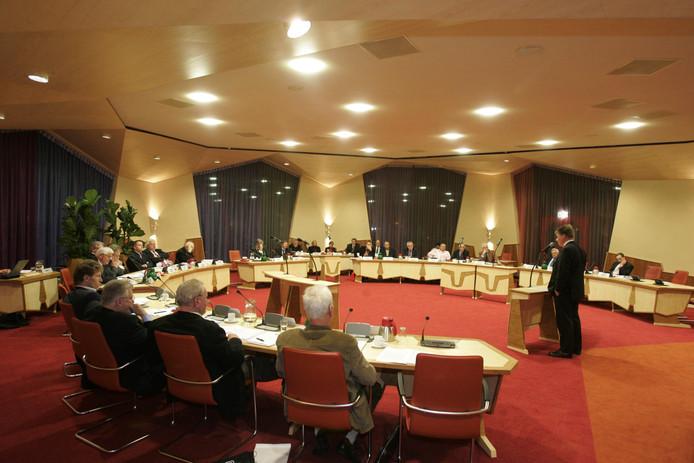De gemeenteraad van Buren, hier bijeen in het raadhuis in Maurik. Foto William Hoogteyling