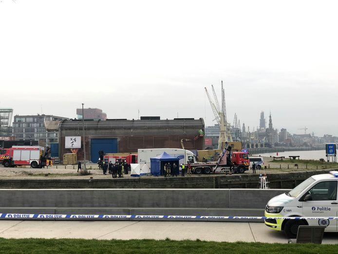 Het lichaam werd gevonden in de buurt van het Droogdokkenpark in Antwerpen-Noord.