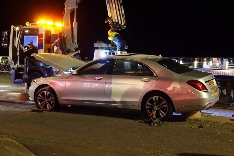 De dieven crashten met de dure Mercedes op de Zeedijk in Knokke-Heist.