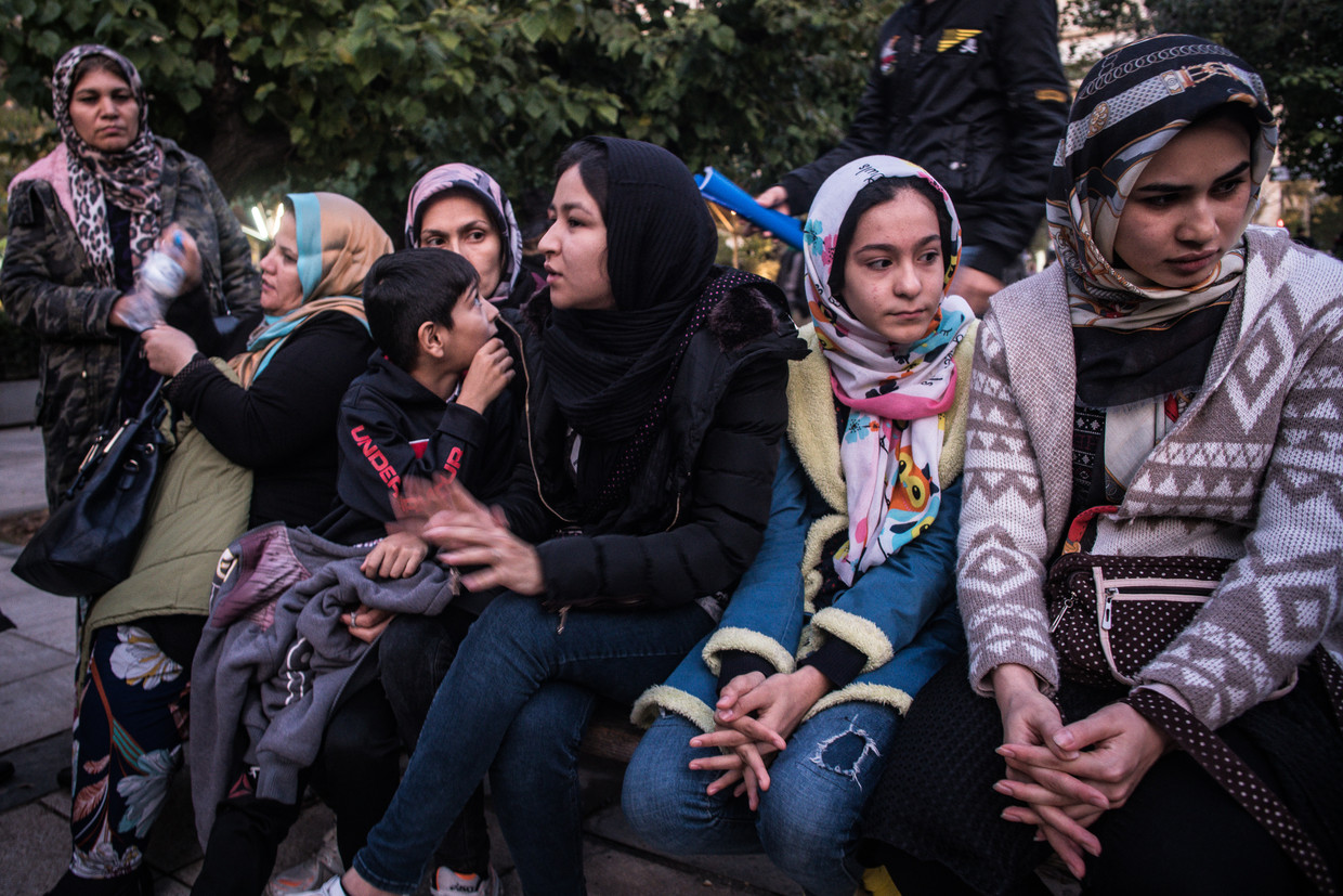 Afghans refugees in Viktoria square, Athens Beeld Zolin Nicola