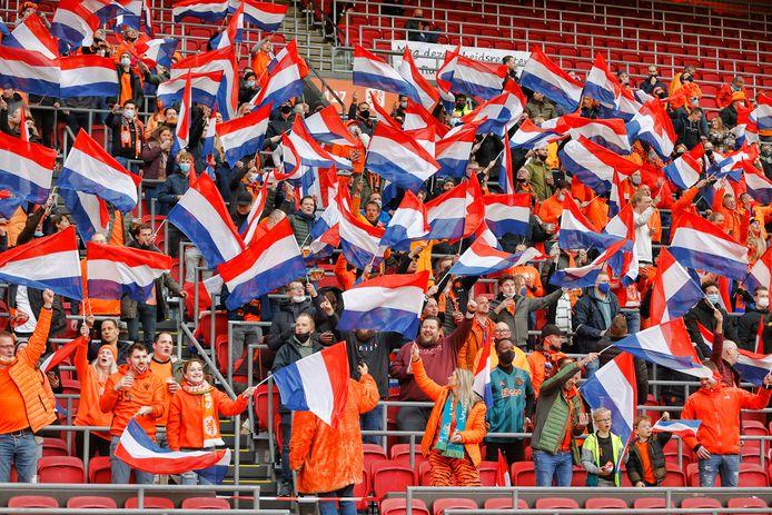Oranje-fans tijdens Nederland - Letland.