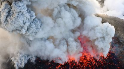 Vulkaan barst opnieuw uit in zuiden van Japan