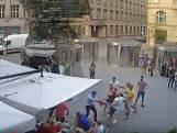 Nederlanders in Praag mishandelen ober