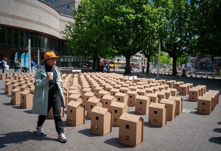 Door in Den Haag 270 kartonnen huizen te plaatsen vroeg Natuur & Milieu enkele maanden geleden aandacht voor de 2,7 miljoen slecht geïsoleerde huizen in Nederland. Beeld ANP