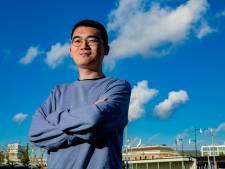 Student Lee (27) kwam terug uit Wuhan en sloot zich 2 weken op in Deventer. En toen? 'Kibbeling kopen!'