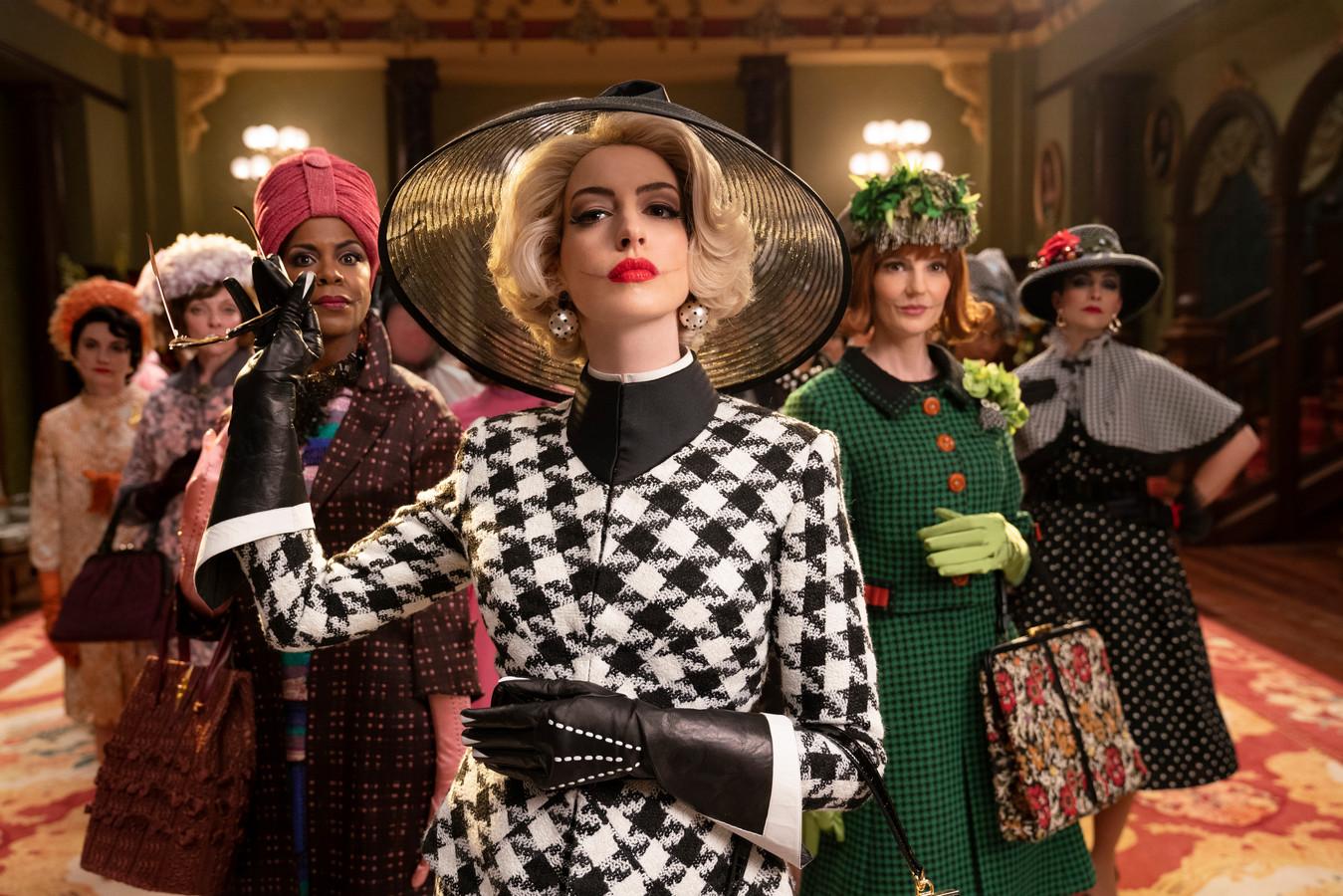 Een scène uit de film De Heksen (met Anne Hathaway, naar een boek van Roald Dahl). Nu een bron van vermaak, vroeger een reden voor verbranding.