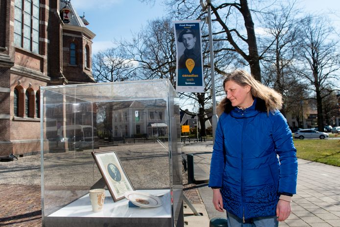 Judith Bartel hielp mee de Apeldoornse oorlogsgeschiedenis levend te houden. Voor een speciale wandelroute verzamelde ze verhalen van militairen en andere ooggetuigen.
