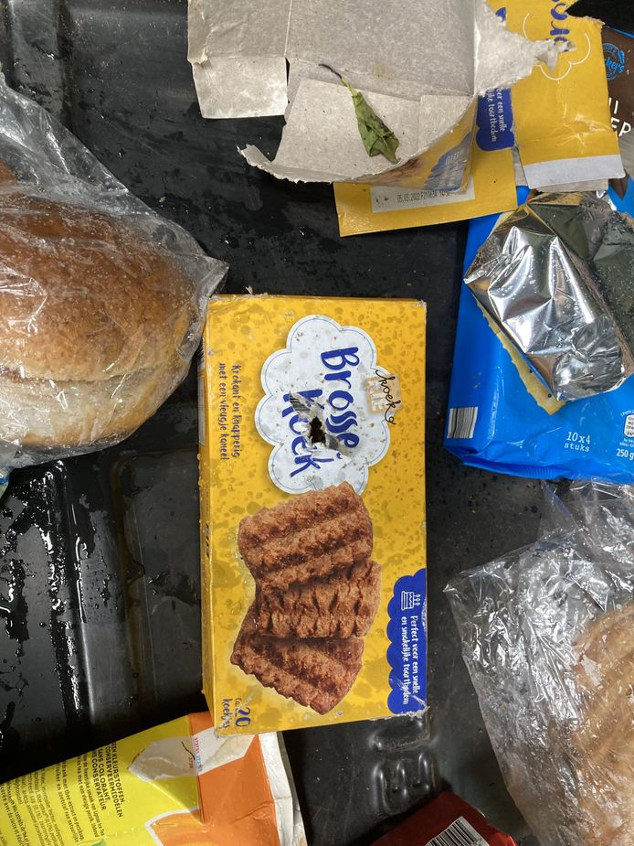 Gedumpt voedsel in de gemeente Hellendoorn. Wie gooit al dat voedsel weg?