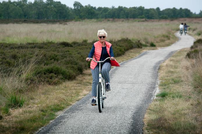 De Veluwe te maken met een steeds groter groeiende stroom aan toeristen, die de leefbaarheid  en natuur aantast.