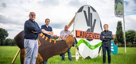 Vv Langeveen jubileert met ingetogen feestprogramma: Bennie Wigger bokaal jaar later uitgereikt