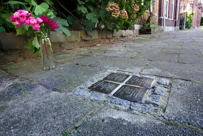 In Eindhoven liggen al struikelsteentjes om mensen te herinneren aan de slachtoffers van de Holocaust.