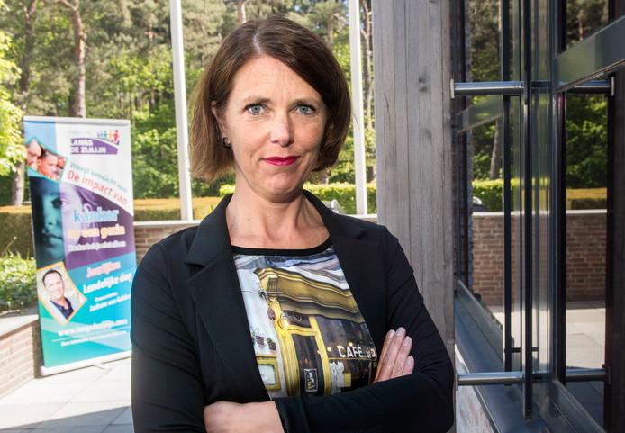 Ingeborg Lups is ex-kankerpatiënt en oprichter van de stichting Langs de Zijlijn.
