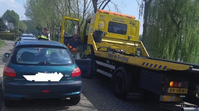 Een 29-jarige Doesburger werd achter het stuur betrapt terwijl zijn rijbewijs is ingevorderd. Zijn auto is in beslag genomen en de man moet zich bij de rechter verantwoorden.