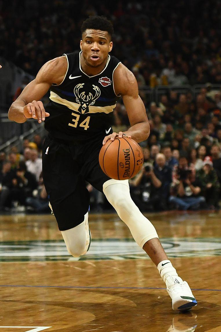 Giannis Antetokounmpo tijdens een wedstrijd tegen de Los Angeles Lakers. Beeld Getty Images