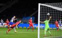 Vedad Ibisevic (l) kopt Hertha naar een 1-0 voorsprong.