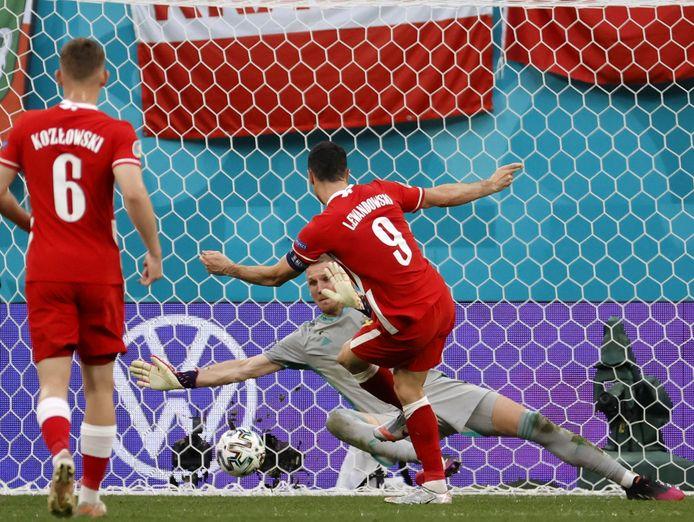 2-2: Lewandowski werkt de goal van de hoop binnen in minuut 84.