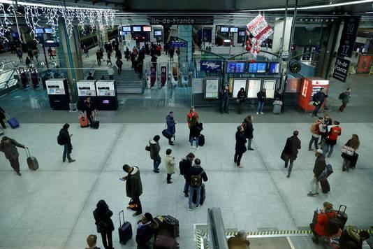 Treinstation Montparnasse in Parijs bereidt zich voor op de staking.