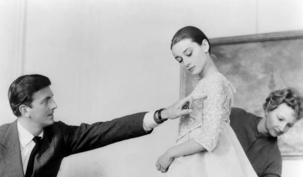 Hubert de Givenchy (1927-2018) kon romantiek verwerken in zijn outfits