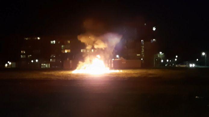 Roosendaal werd afgelopen nacht opnieuw opgeschrikt door explosies en andere vuurwerkgeweld.