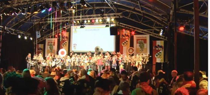 Kwèkfestijn in 2017 in een tent op de Bossche Parade.