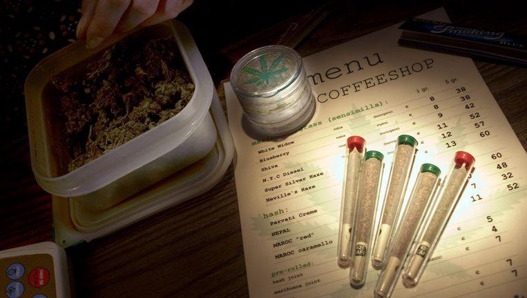 Volgens de commissie-Van de Donk spelen criminelen een belangrijke rol in de wereld van de coffeeshops. Foto ANP Beeld