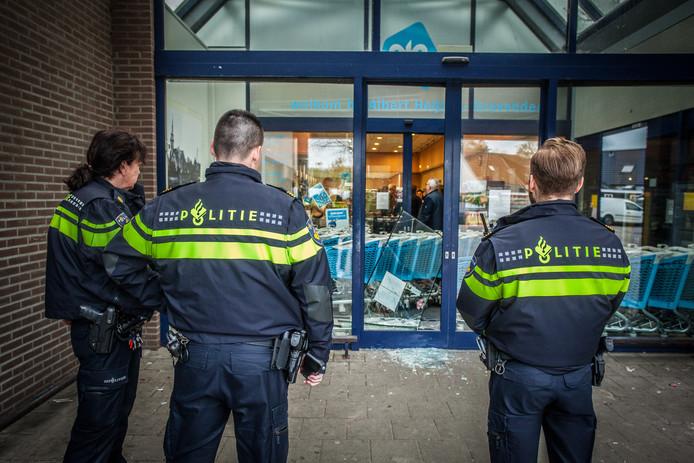 De overval vond plaats bij de Albert Heijn 's-Gravendeel.