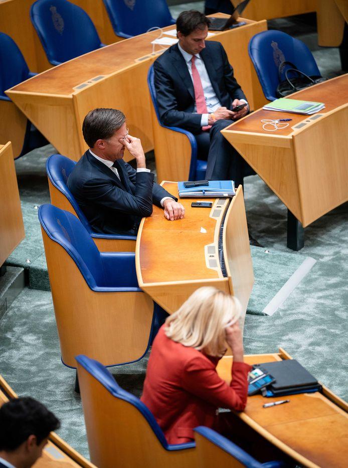 Sigrid Kaag (D66), Mark Rutte (VVD) en Wopke Hoekstra (CDA) tijdens het debat over het eindverslag van informateur Mariëtte Hamer over het vastgelopen formatieproces.
