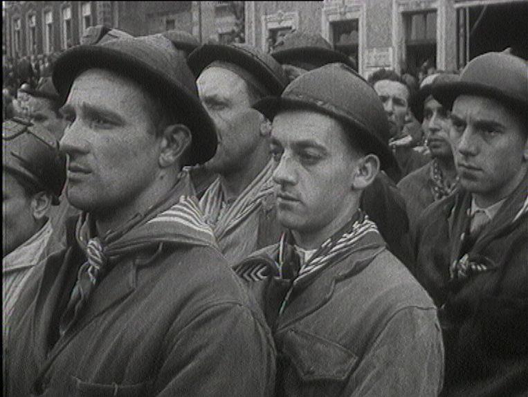 Omdat Vlamingen niet in de gevaarlijke mijnen wilden werken, werden er mensen geronseld in Italië en andere landen.  Beeld VRT