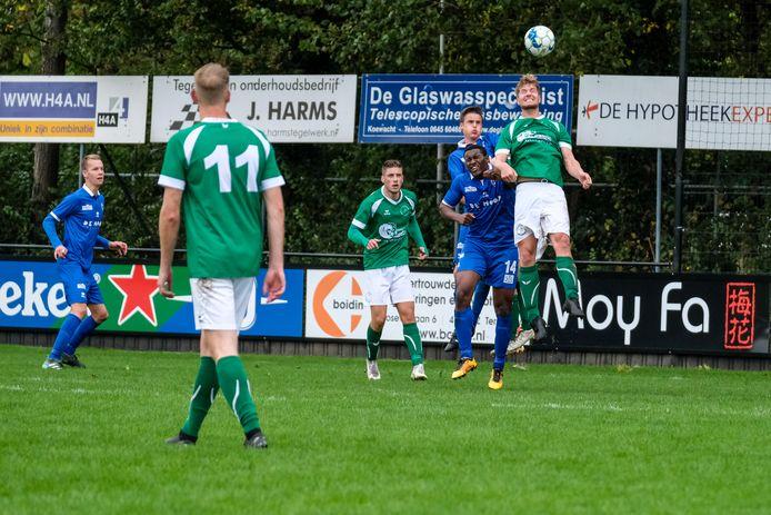 Mike van Schaardenburg (derde van links) is teruggekomen op zijn beslissing.