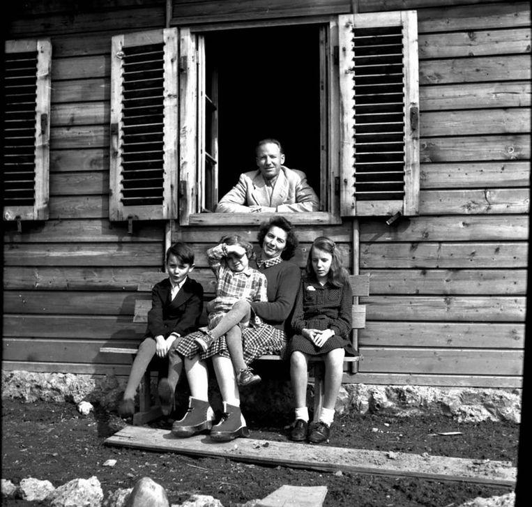 Otto Wächter met zijn familie in 1948. Beeld Horst Wächter
