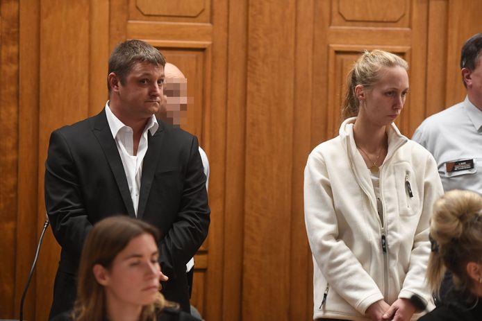 Beschuldigden Davy Van Vreckem en Stephanie Janssens voor het Leuvense assisenhof.