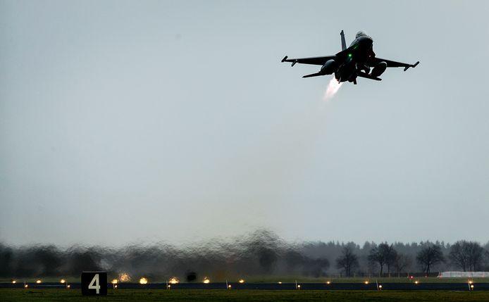 'De Nederlandse luchtmacht wordt met haar F-16's op Volkel praktisch voorbereid op het afvuren van kernwapens.'