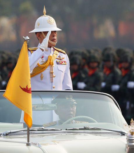 Duitsland zucht, maar Thaise koning viert in Beiers luxehotel vakantie met 20 vrouwen