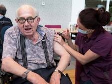 Bewoners De Wulverhorst voor tweede keer gevaccineerd: 'Straks kunnen we weer normaal doen'